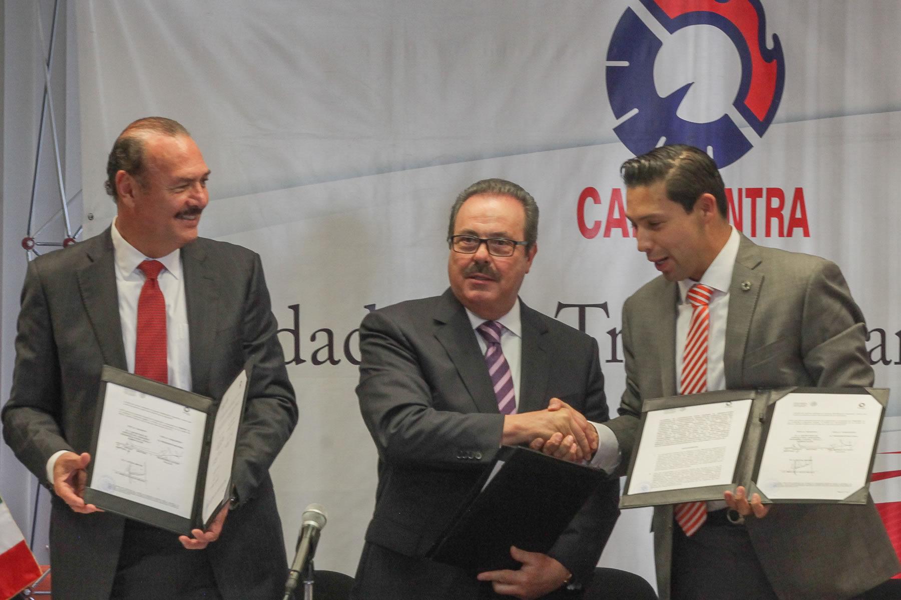 En el evento, realizado en las instalaciones de la CANACINTRA, el titular de la SAGARPA indicó que este esfuerzo conjunto fortalecerá la transparencia de la institución, como lo instruyó el Presidente de la República, Enrique Peña Nieto.