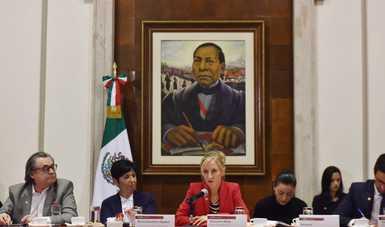 Rocío González, titular de la Unidad de Política Migratoria, Registro e Identidad de Personas, Andrés Ramírez, Coordinador General de la COMAR; y Alexandra Bilak, Directora del Internal Displacement Monitoring Centre (IDMC).