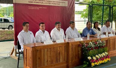 Firma de convenio en Tenosique, Tabasco