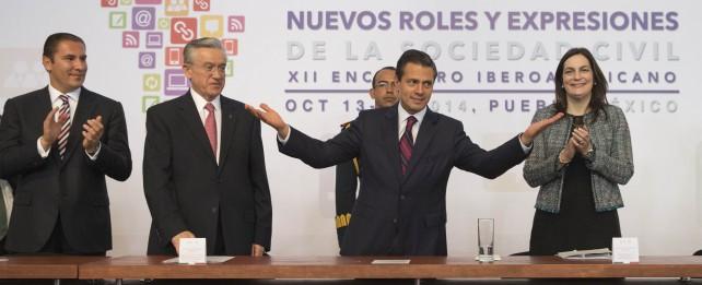 """En la inauguración del 12º Encuentro Iberoamericano de la Sociedad Civil, el Primer Mandatario dijo que """"los ciudadanos organizados han sido y seguirán siendo un poderoso motor de cambio social""""."""