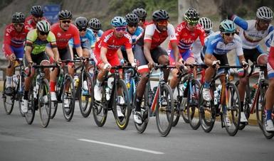 En el cierre del ciclismo, Yareli Salazar e Ignacio Prado subieron al podio.
