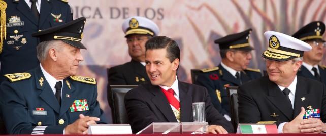 """Puntualizó que """"los mexicanos nos sentimos muy orgullosos del patriotismo, la disciplina y el espíritu de servicio de nuestras Fuerzas Armadas""""."""