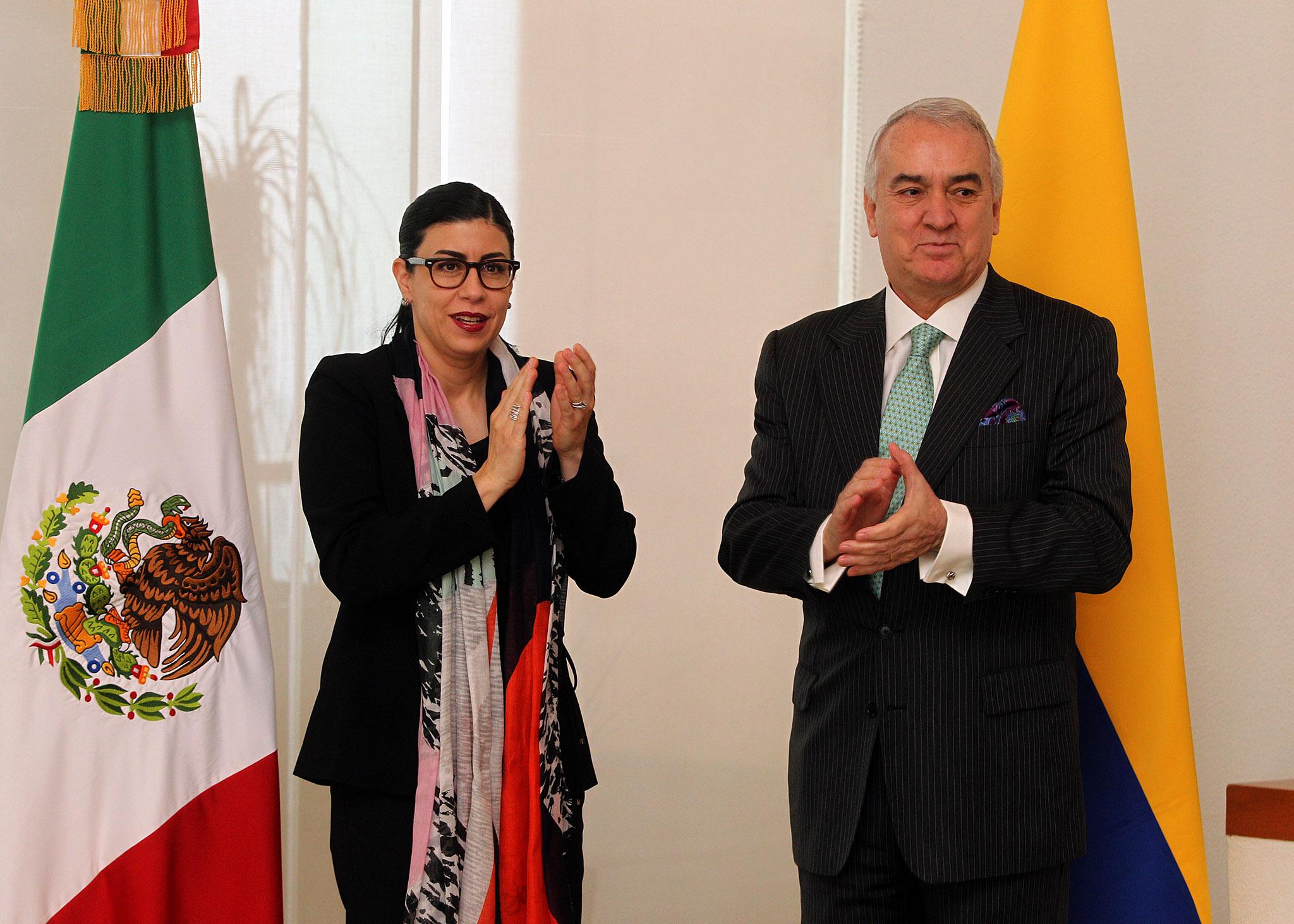 FOTO Subsecretaria Vanessa Rubio Márquez con el embajador de Colombia en México, José Gabriel Ortiz Robledo