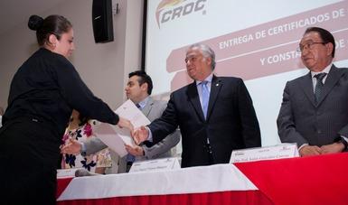 Entrega Miguel Torruco, certificados de Competencia Laboral y constancias de Cursos de Turismo para trabajadoras y trabajadores del sector turismo afiliadas a la Confederación Revolucionaria de Obreros y Campesinos (CROC).