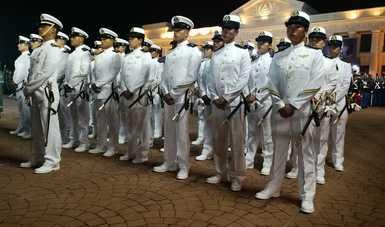 Contingente de la Heroica Escuela Naval Militar