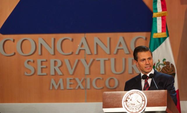 El Presidente de la República tomó protesta al Comité Ejecutivo y al Consejo Directivo de la CONCANACO-SERVyTUR para el periodo 2014-2015