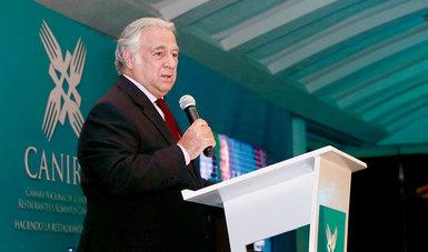 El Secretario de Turismo Miguel Torruco Marqués asistió a la entrega del Premio al Mérito Empresarial Restaurantero, que otorga la Cámara Nacional de la Industria de Restaurantes y Alimentos Condimentados (Canirac).