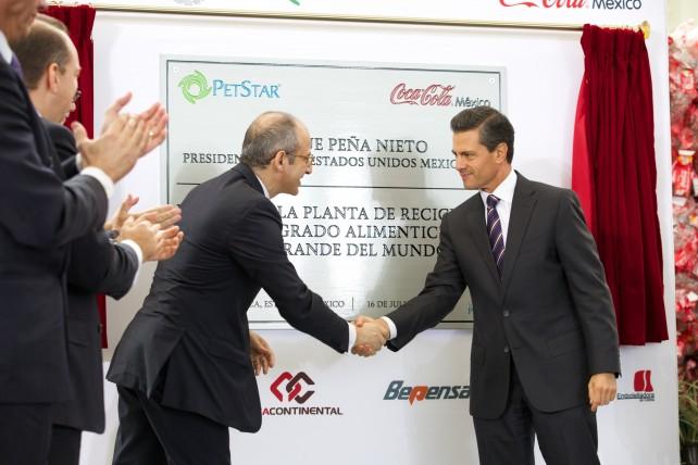 """Señaló que en Coca-Cola hay el convencimiento de que """"juntar inversión con responsabilidad social, es lo que genera el progreso""""."""