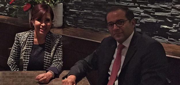En la imagen, la Titular de SEDATU, Rosario Robles Berlanga con el gobernador electo de Colima, José Ignacio Peralta Sánchez.