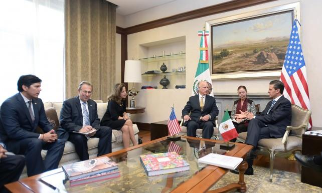 El Presidente Peña Nieto y el Gobernador Brown recordaron que en California reside la comunidad más numerosa de mexicanos en el exterior.