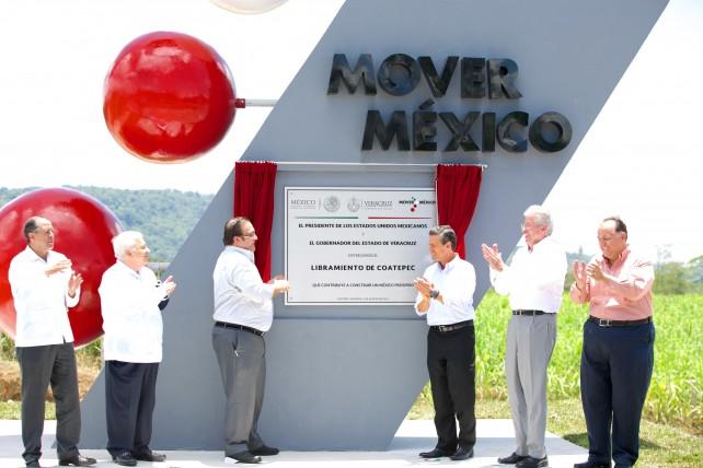 Indicó que el Gobierno de la República tiene como objetivo la modernización de los puertos de Veracruz, Tuxpan, Manzanillo, Lázaro Cárdenas, y Altamira.