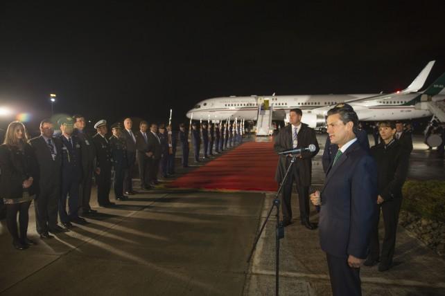 Declaración del Presidente Enrique Peña Nieto, a medios colombianos al dirigirse a la Toma de Posesión del Presidente Santos