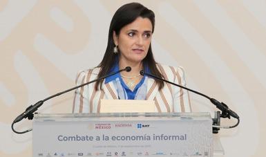 El SAT y organismos empresariales firman convenio para combatir la economía informal