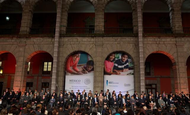 """El Presidente de la República dijo que la Reforma Educativa """"estableció los cimientos para que todos los niños y jóvenes del país tengan acceso a una enseñanza de calidad que los prepare para el futuro."""