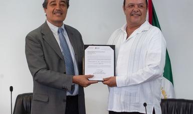 Entrega STPS constancia a primer sindicato que concluye exitosamente la legitimación de su contrato colectivo