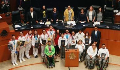 Los legisladores felicitaron a Ana Gabriela Guevara, por su labor al frente de la CONADE.