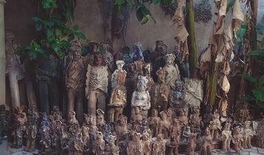 El Colegio de San Ildefonso aloja la exposición 2501 Migrantes, del artista oaxaqueño Alejandro Santiago.