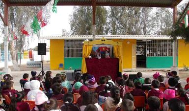 Zancadilla Teatro es una compañía independiente radicada en Hermosillo, Sonora, cuya labor se distingue por promover la lectura, acercarse a los niños e instruir al público sobre temas sociales vigentes.
