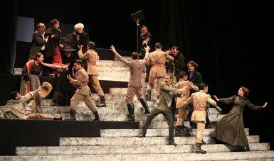 La Compañía Nacional de Teatro, presentan la puesta en escena Felipe Ángeles de Elena Garro.