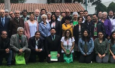 Los especialistas forestales unidos por la preservación de los bosques y las especies