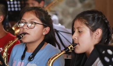 En 2006 nació en el poblado de San Pablo Guelatao, Oaxaca, la Banda Filarmónica Infantil y Juvenil Yela-Too.