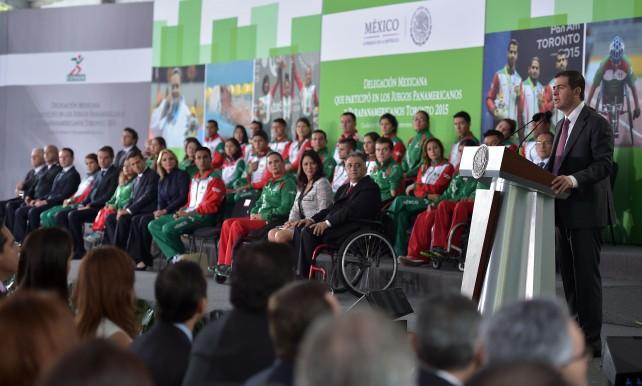 El Presidente Enrique Peña Nieto, habló en el evento sobre la propuesta de paquete presupuestal para el próximo año, que envió ayer al Congreso de la Unión.