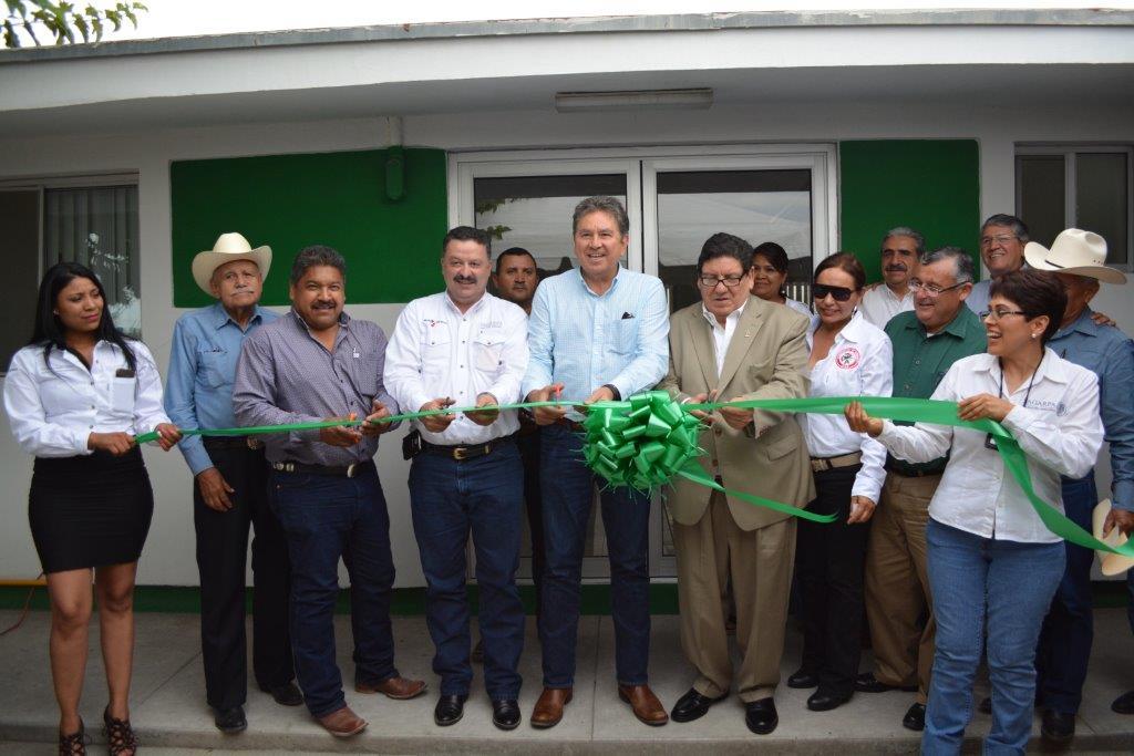 En representación del titular de la SAGARPA, Enrique Martínez y Martínez, el coordinador general de Delegaciones, Víctor Hugo Celaya Celaya, dio arranque a la nueva infraestructura que brindará atención puntual a más de dos mil productores de la entidad.