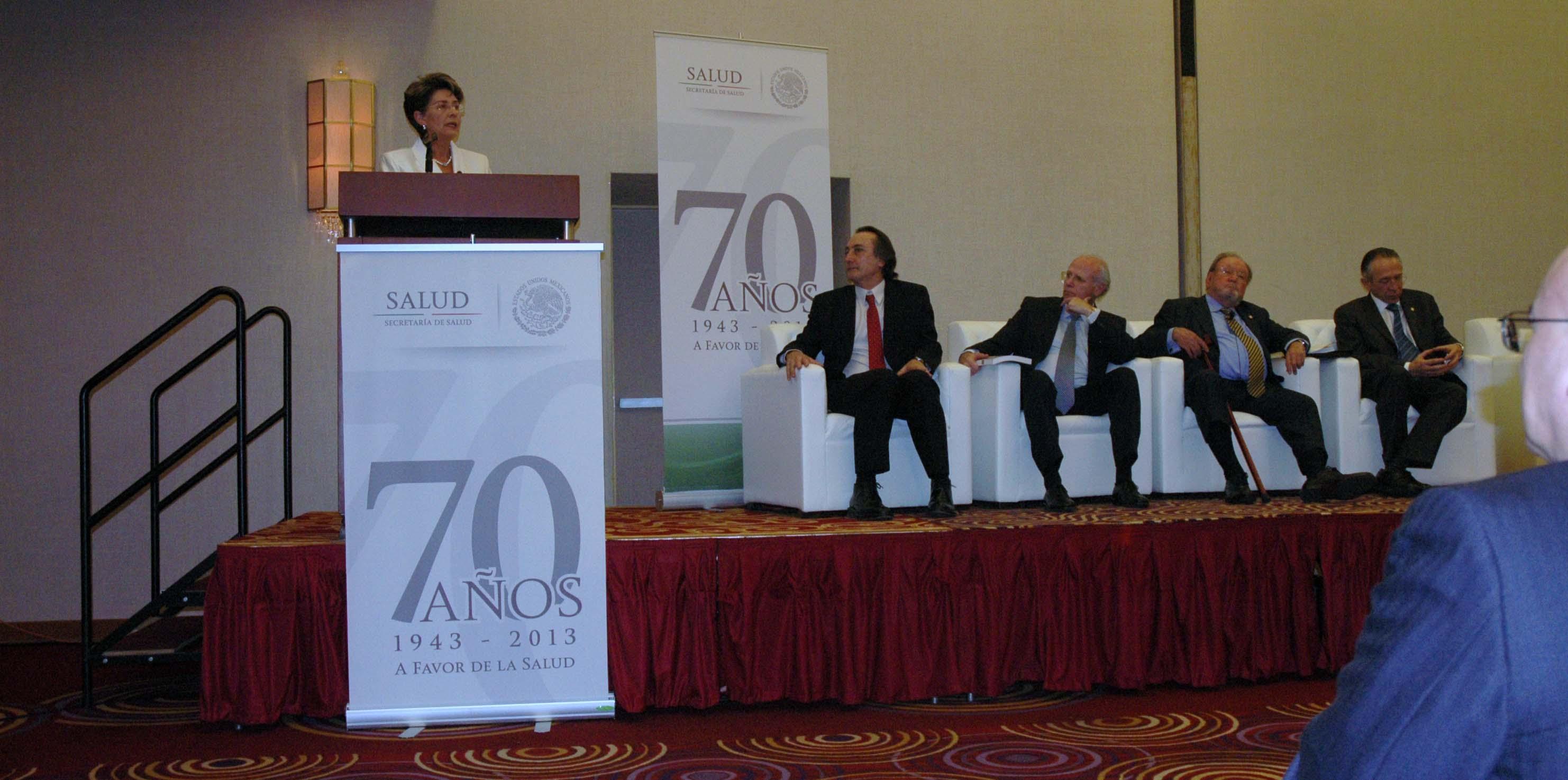 Mercedes Juan presentó el libro OPS/OMS, cobertura universal en Salud