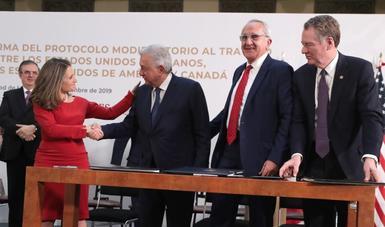 Firma de protocolo modificatorio al T-MEC