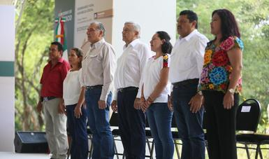 Pide Albores González a equipo de Sembrando Vida duplicar esfuerzos para 2020