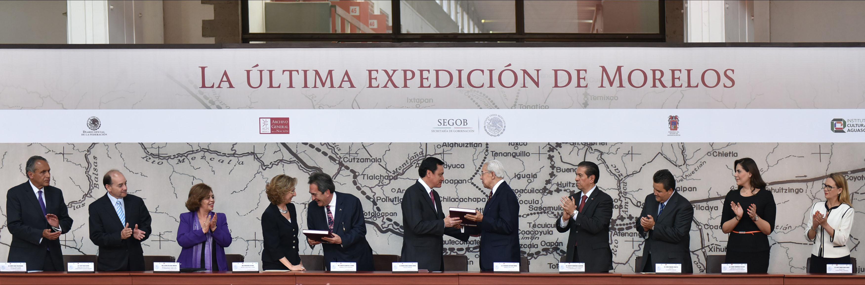 """Miguel Ángel Osorio Chong, Secretario de Gobernación, durante la presentación del libro """"La última Expedición de Morelos"""" en el Archivo General de la Nación."""