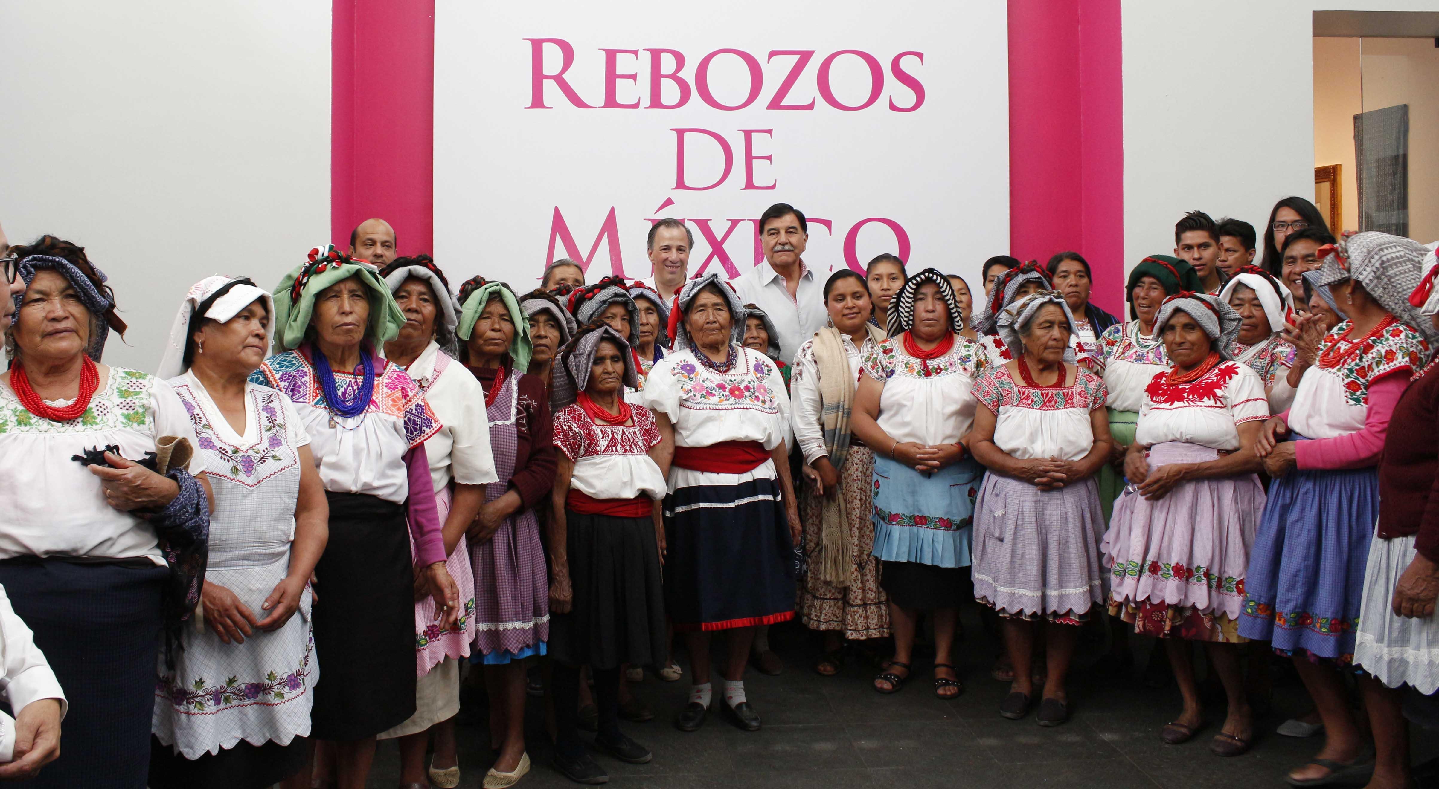 Premia José Antonio Meade Kuribreña a ganadores del Segundo Concurso Nacional del Rebozo 2015 del FONART