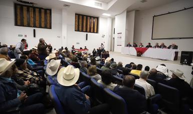 Toledo Manzur y Alcocer Varela reiteraron el compromiso del Gobierno de México de coordinar los trabajos necesarios para despejar la incertidumbre que viven las personas afectadas.