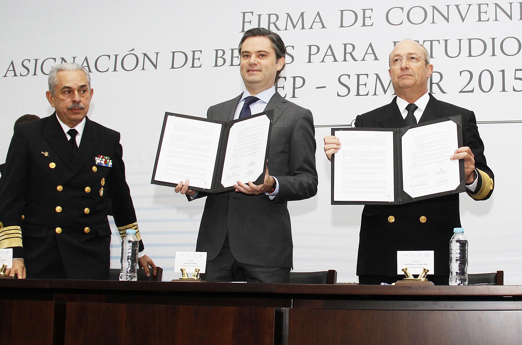 Las Secretarías de Marina y de Educación Pública firman bases de coordinación en Materia Educativa