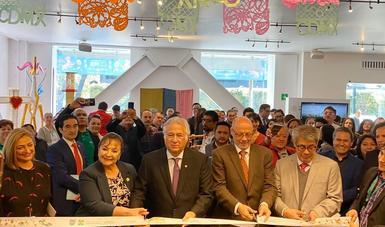 Inaugura Miguel Torruco, Secretario de Turismo de México, exposición de productos artesanales de la Ciudad de México en Punto México.