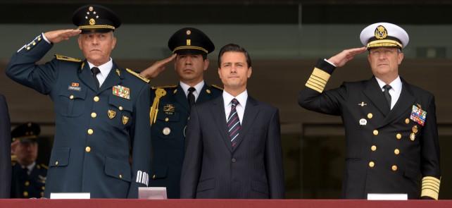El primer mandatario presidió la ceremonia de Clausura y Apertura de Cursos de los Planteles Educativos Militares.