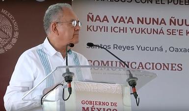 Entrega de los caminos a Santos Reyes Yucuná y a San Andrés Nuxiño