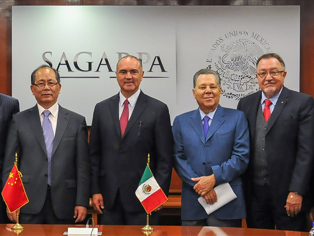 Se reúnen titular de la SAGARPA y embajador de China en México