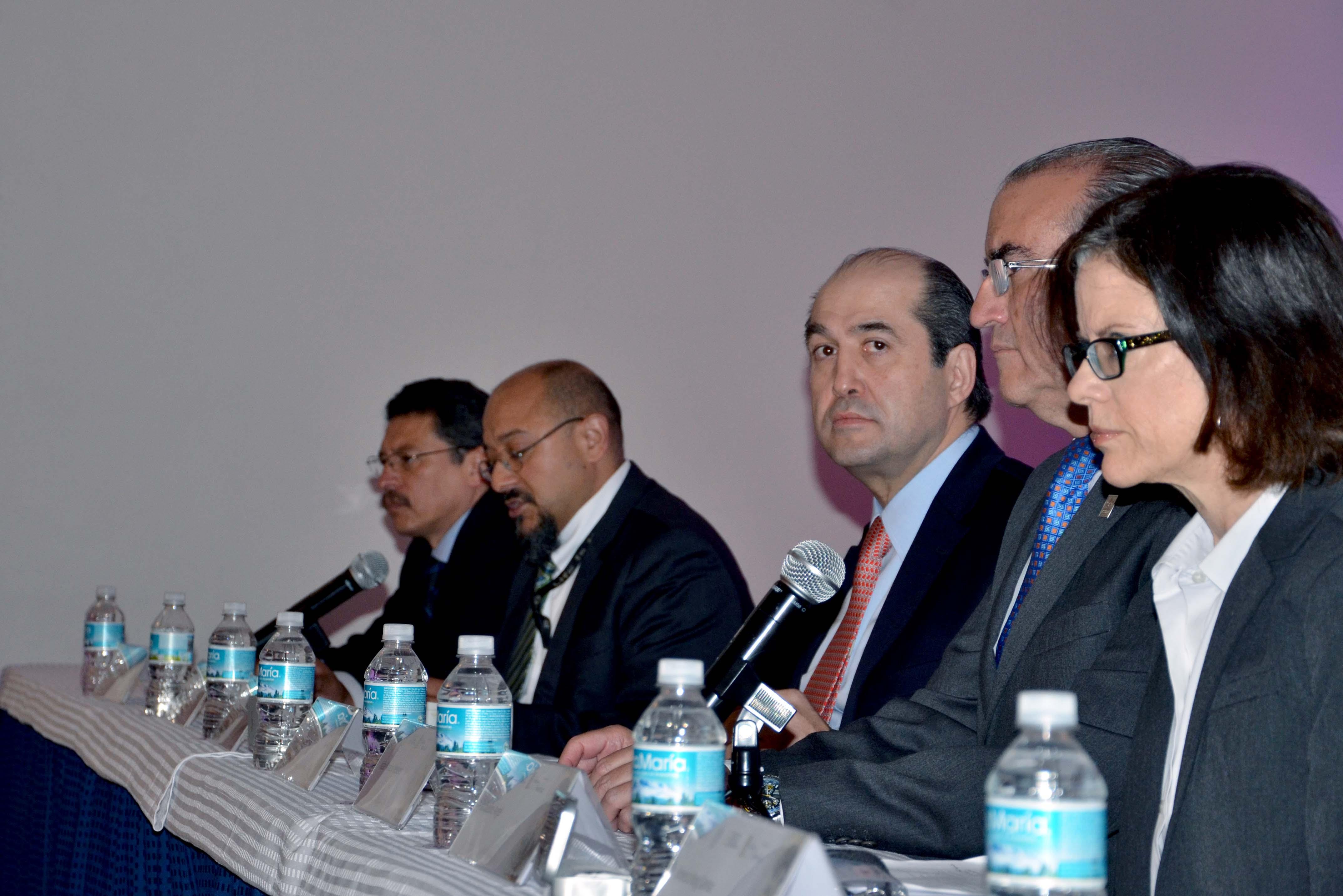 El doctor González Pier informó que nuestro país impulsa una política de envejecimiento sano y activo.