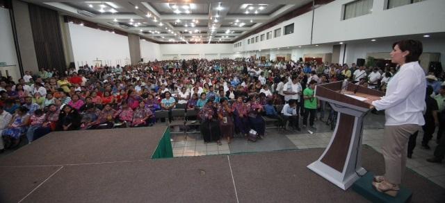 Son las mujeres principales aliadas en la lucha contra la pobreza, afirma la Secretaria Rosario Robles Berlanga