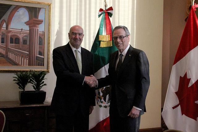 Visita del ministro canadiense Joe Oliver.