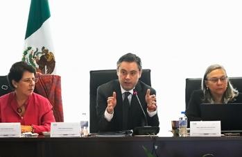 Destaca Nuño Mayer importancia del diálogo constructivo con INEE para mejorar calidad educativa