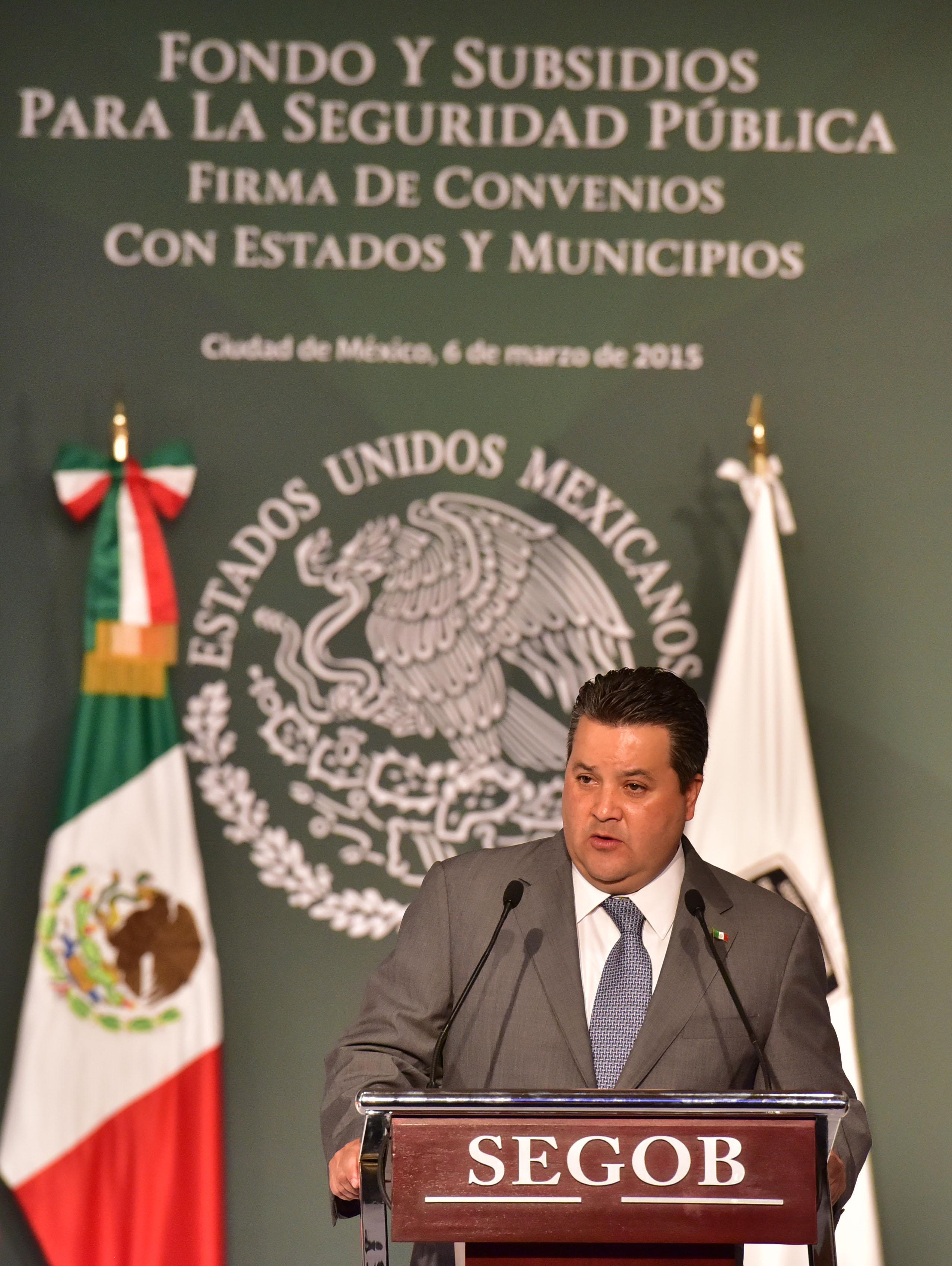 El Oficial Mayor de la Secretaría de Gobernación, Jorge Francisco Márquez Fuentes, durante su mensaje en el Firma de Convenio con Estados y Municipios Beneficiarios del Fondo y Subsidios de Apoyo a la Seguridad Pública