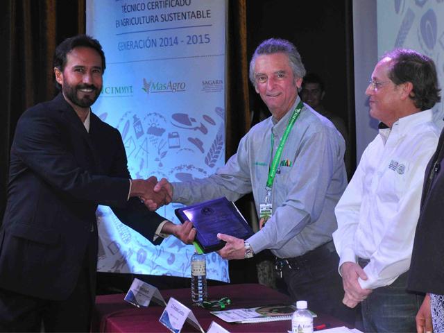 Extensionistas de Sonora y Sinaloa se sumarán a la red de innovación y extensión del Programa de Modernización Sustentable de la Agricultura Tradicional (MasAgro), al haber concluido y aprobado la certificación que iniciaron en abril del 2014.