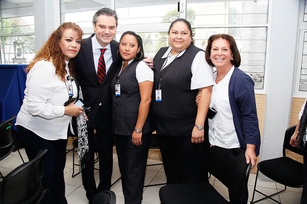 Entrevista al secretario de Educación Pública, Aurelio Nuño Mayer, al término de la visita que realizó a la Escuela Primaria Dr. Agustín Rivera, en la ciudad de México