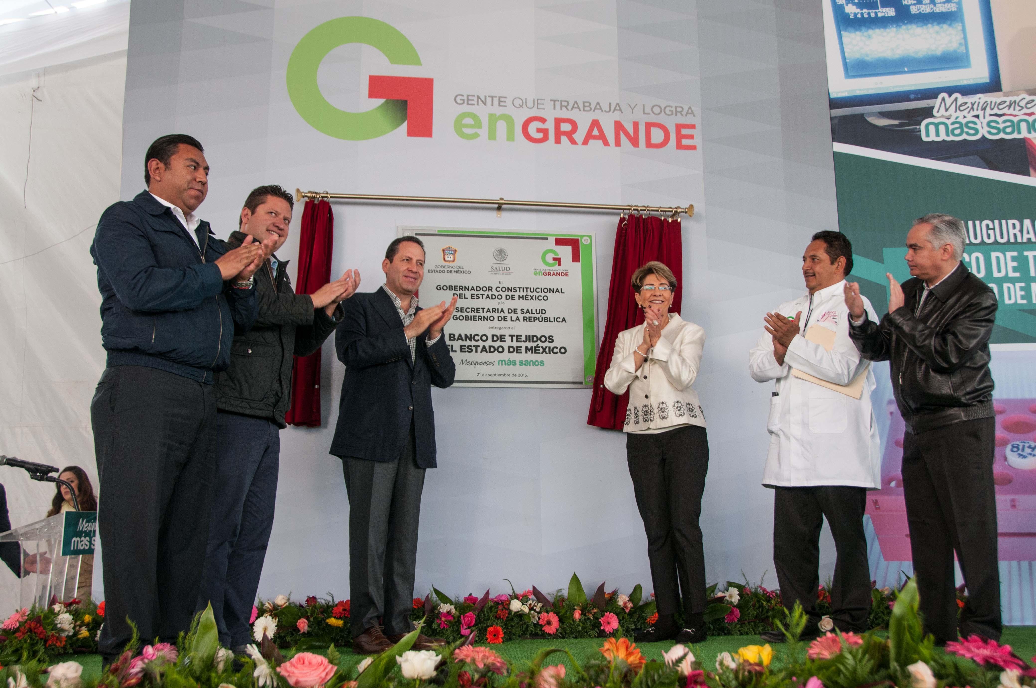 Junto con el gobernador Eruviel Ávila Villegas inauguró el Banco de Órganos y Tejidos en Toluca.