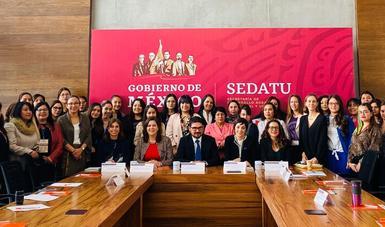 """Asistentes al lanzamiento de """"Mujeres en el territorio"""""""