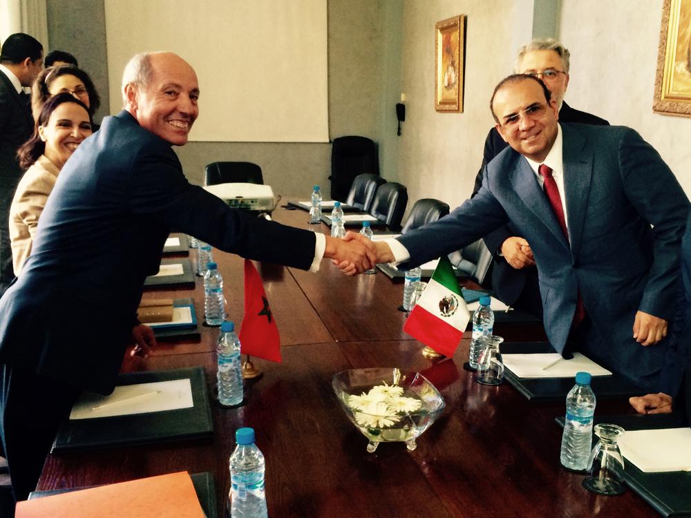 El Secretario del Trabajo y Previsión Social, Alfonso Navarrete Prida, durante su visita de trabajo a su homólogo marroquí, Abdeslam Seddiki.