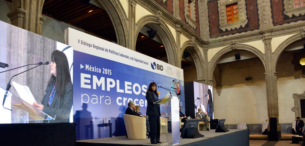 Ante la fragilidad de la economía mundial, la creación y preservación de empleos de calidad enfrenta hoy mayores dificultades, dijo la Subsecretaria Patricia Martínez Cranss.
