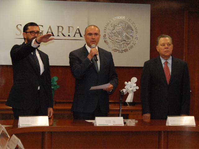 Toma protesta titular de la SAGARPA a Jorge Armando Narváez Narváez como nuevo subsecretario de Agricultura.